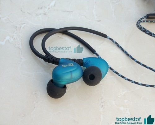 Semi-transparent design of boult rhythm around ear-headphone topbestof review