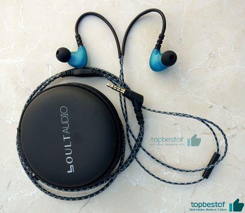 boult rhythm around ear-headphone with pouch